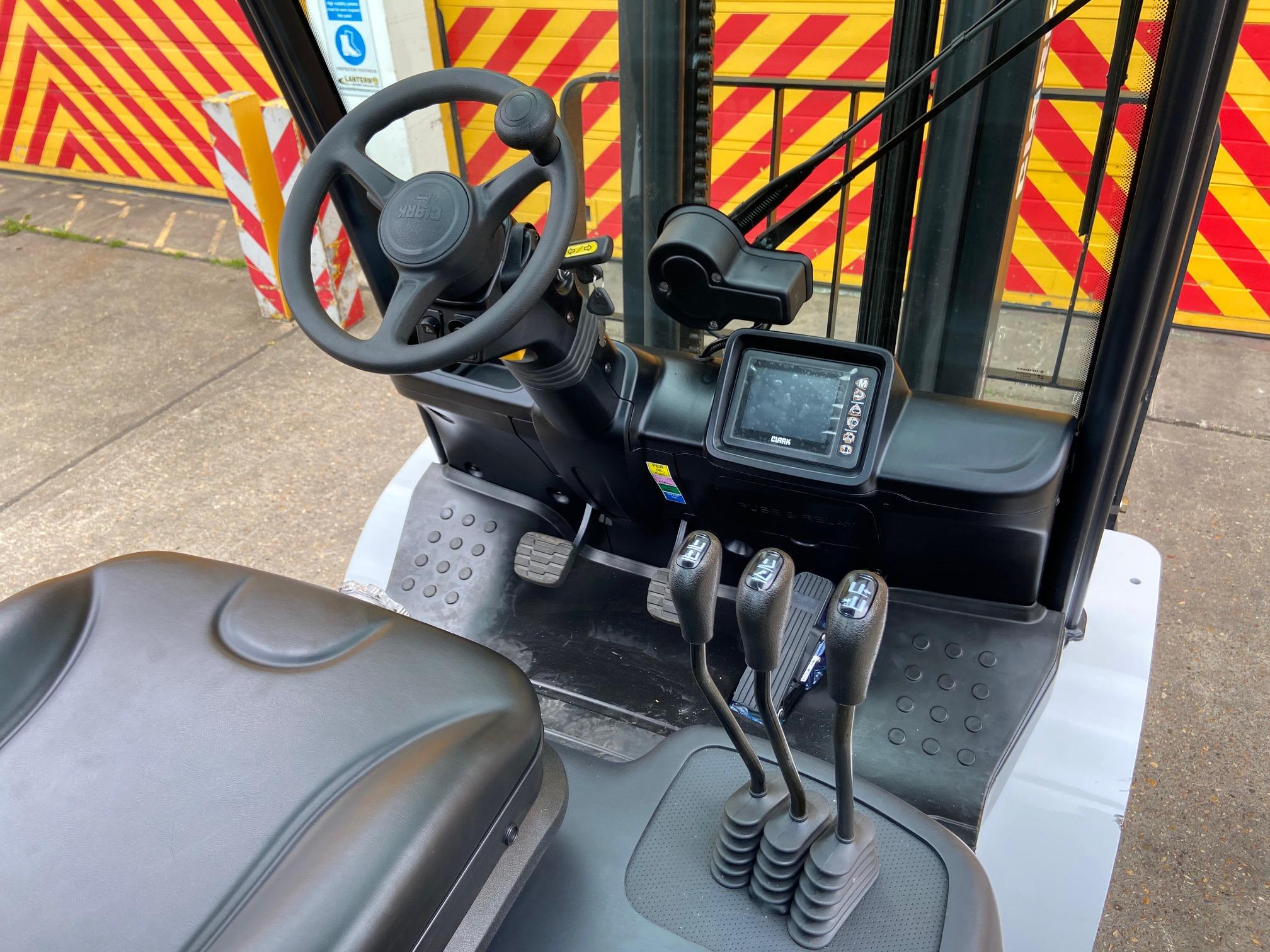 Clark S35D Counterbalance Forklift